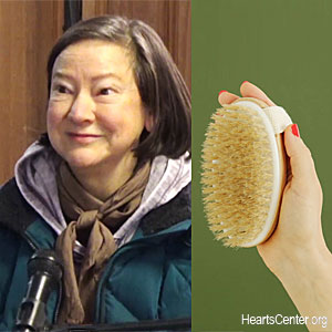 The Health Benefits of Dry Brushing (VIDEO)
